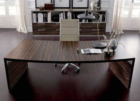 ipsos-executive-desk