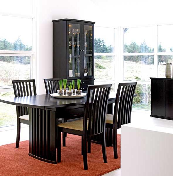 the-skovby-oslo-extending-dining-table